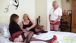 Elder back experienced mature women arrange a threesome