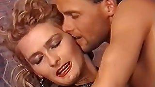 Scharfe girls mit feuchten spalten teil 3 (1988)