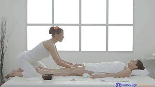 Bonny masseuse pleasures client